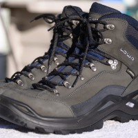 LOWA-Men's-Renegade-GTX-Mid-Hiking-Boots-Review